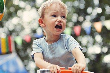 Ребенок не слушается, закатывает истерики
