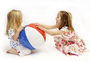 Ребенок не делится игрушкам, воспитание детей
