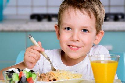 Как правильно кормить детей сладким помощь психолога